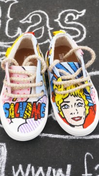 Las Nanis de Nani las zapatillas de Carlota la directora de Sálvame