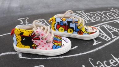 Las Nanis de Nani las zapatillas de la hija de Carlota Corredera la directora de Sálvame