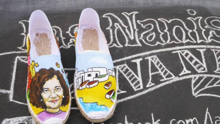 Alpargatas de las Nanis pintadas de la isla de La Graciosa