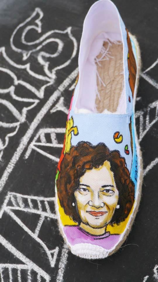 Zapatillas Nanis de Nani pintadas a mano de surf en Famara