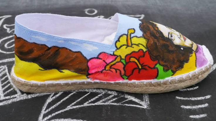 Zapatillas Nanis pintadas a mano de surf en Lanzarote